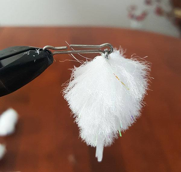 tying the second section of the articulated streamer