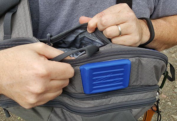 umpqua steamboat sling pack phone pocket